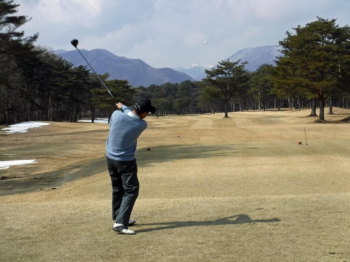 ブログ 元大学のゴルフ部の主将.jpg