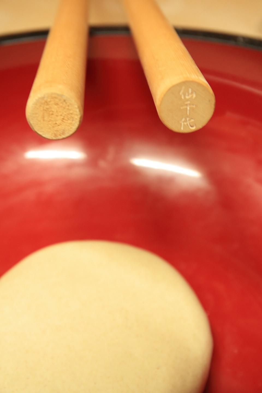 ブログ 蕎麦打ち、2種の麺棒.jpg