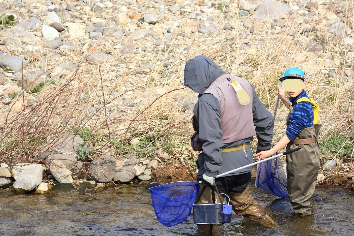 ブログ おじいちゃんと魚釣り.jpg