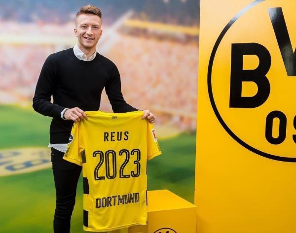 Marco_Reus_signs_new_contract_until_2023_with_dortmund.jpg