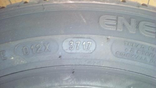 タイヤ組み換え (61)