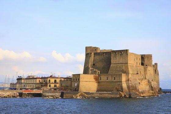 Elisa di Rivombrosa142-Castel dell'Ovo