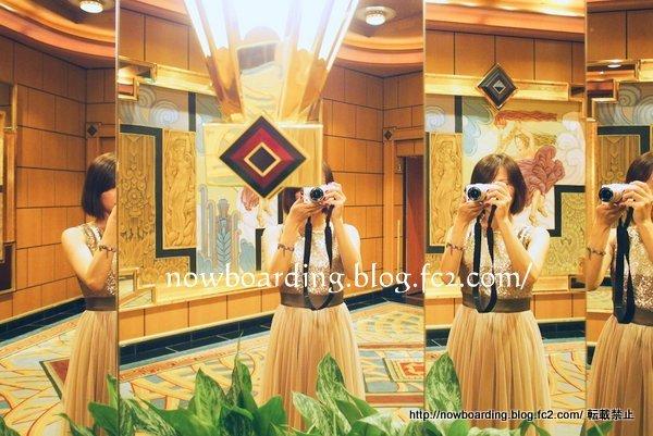 クルーズ旅行の30代女性ドレスコード フォーマルナイトのシャンパンタワー