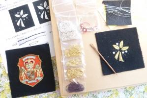金モール刺繍