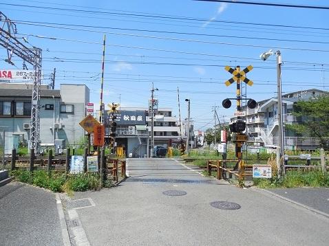 小田急江ノ島線の大和5号踏切@大和市a