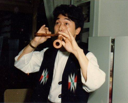 2本のリコーダー同時演奏の迫田浩一氏