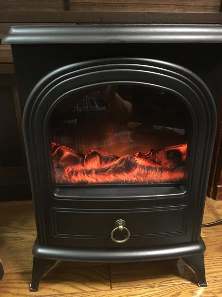 暖炉型電気ファンヒーター