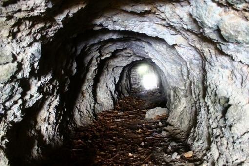 tunnel7578578.jpg