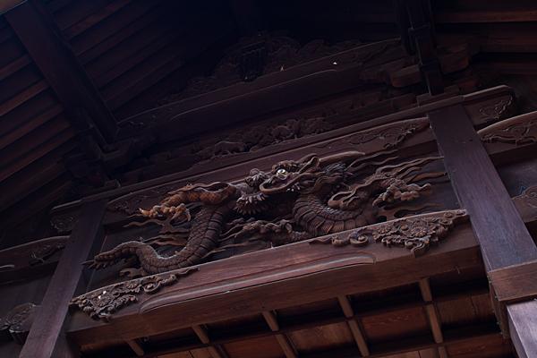 味鋺神社拝殿の彫り物
