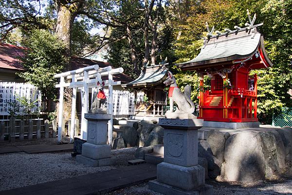 川原神社稲荷社と龍神社