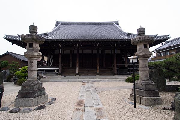 寺院立派なお堂