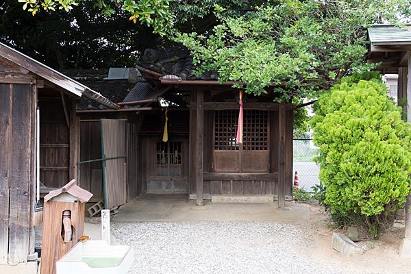 寺院野町のお堂