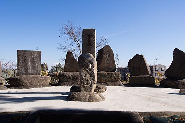 丹八山迦具土社石碑群
