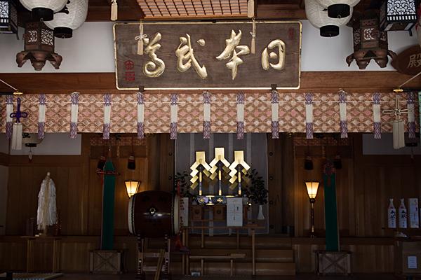 加佐登神社拝殿内