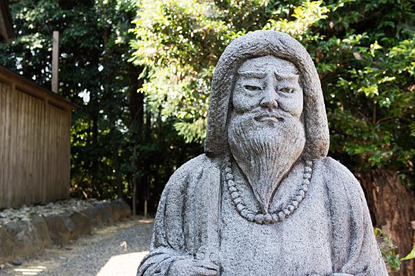 加佐登神社ヤマトタケル像