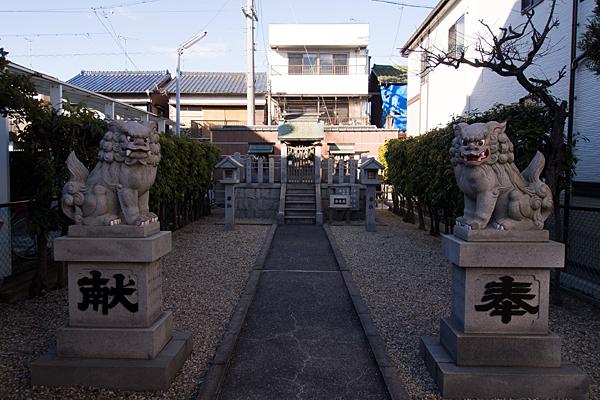 天白神社境内の風景