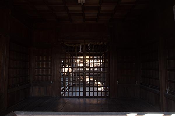 源兵衛須佐之男神社拝殿内