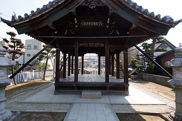 平中町八幡社境内の風景