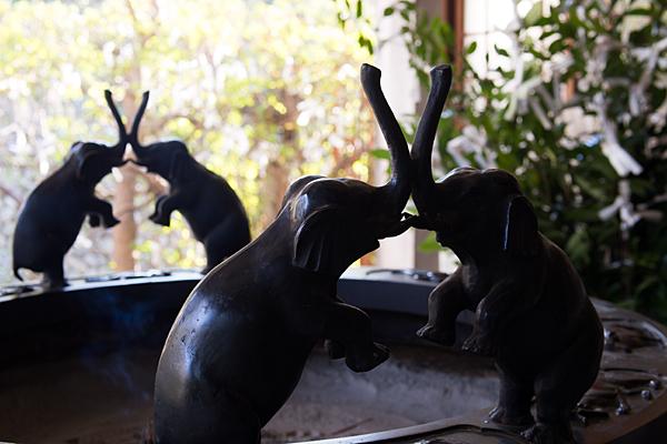 桃厳寺象の像