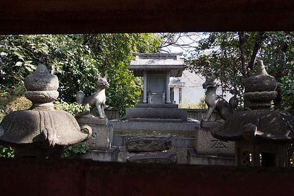 笠寺稲荷社と狐