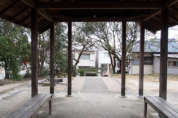 鳥栖神明社拝殿から見る風景