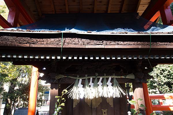 鹿島稲荷神社社の屋根