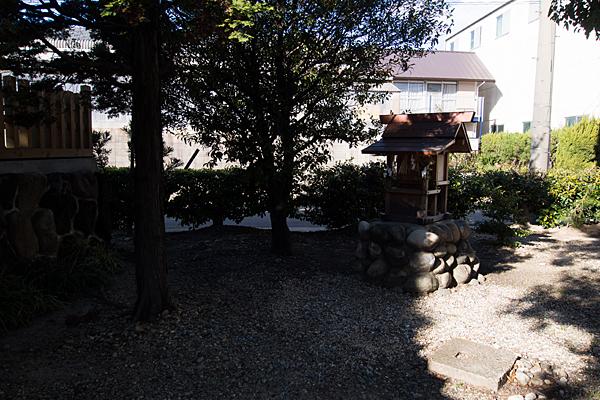 要町八幡神社境内社