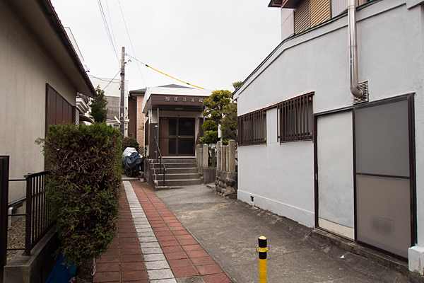 松城町3秋葉神社東側入り口
