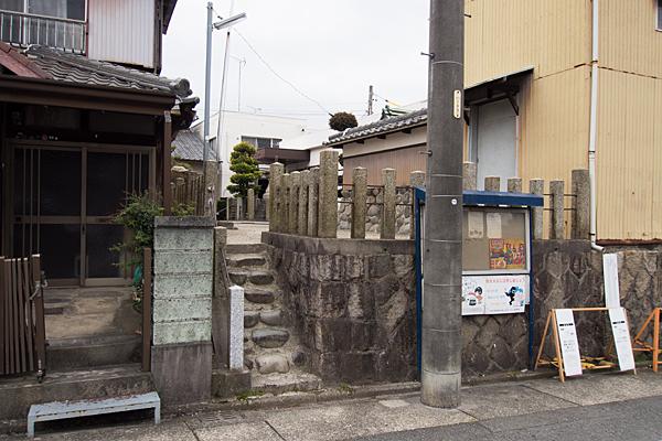 松城町3秋葉神社北側入り口