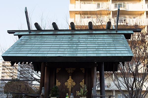 千代ヶ丘椿神社社屋根