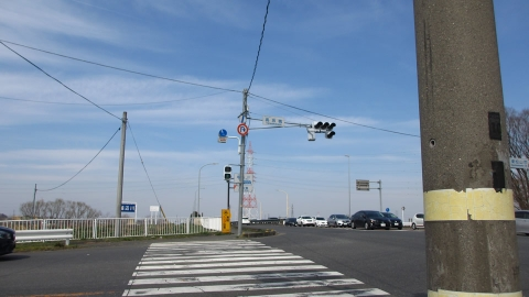 越辺川に高坂橋、近くには来てると思うんだけどよく分からない。。