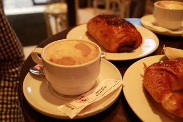 04084M Caravanserai Cafe