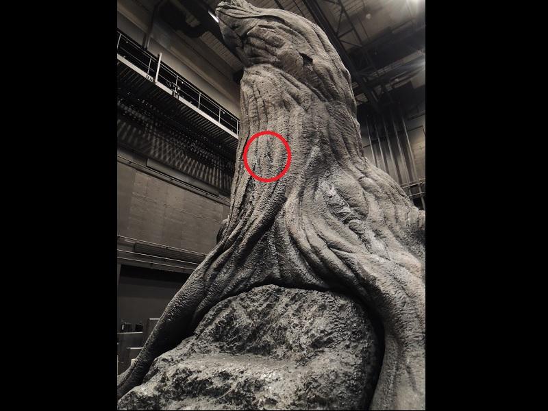 第1幕の舞台 トネリコの木