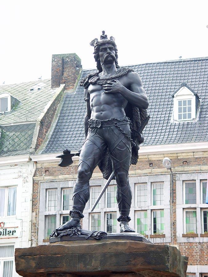 アンビオリクスの銅像