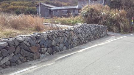 stone_wall2.jpg