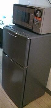 那覇。なんと、冷凍庫付き冷蔵庫に電子レンジ