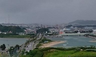 瀬長島海中道路