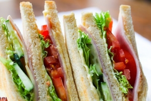sandwich-2301387__340.jpg