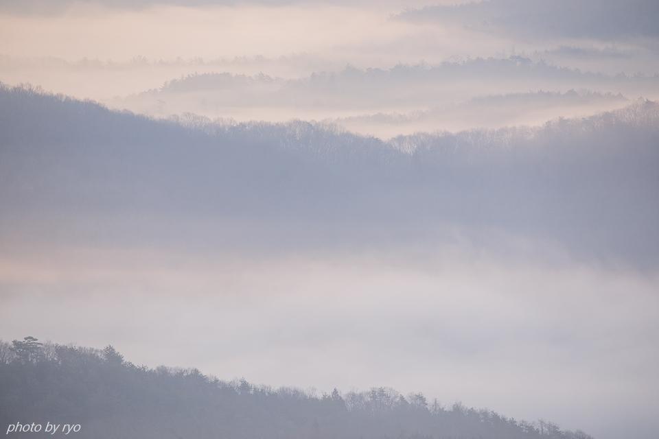 霧の低い朝に_3
