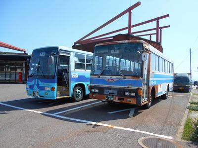 女木島洞窟行きバス
