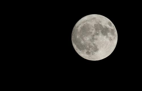 full-moon-2933972_960_720.jpg