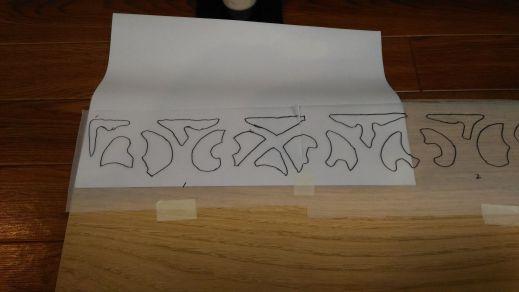 カーボン紙で板に転写