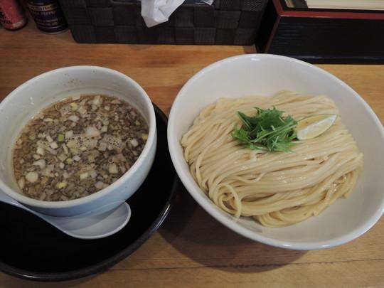 鶏もつつけ麺(大)400g(930円)