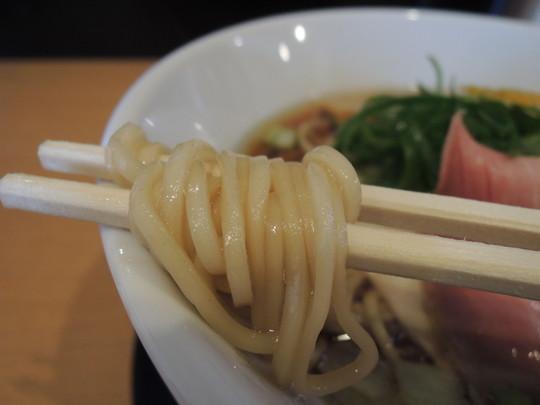 鶏しょうゆの麺