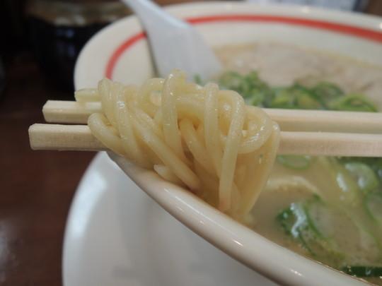 武蔵ラーメンの麺