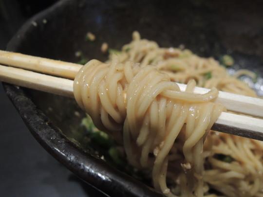 汁なし担担麺(普通盛)2辛の麺