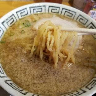 磯右エ門 背油醤油ラーメン 麺スープ
