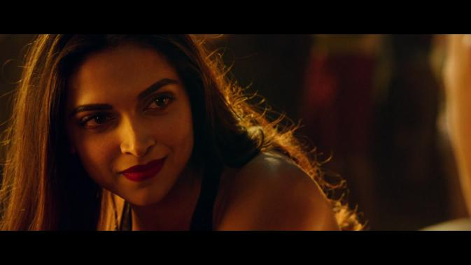 xxxroxc-Deepika Padukone smile