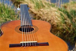 ギターで特に「クラギ」「アコギ」の価値がマジでわかんねぇ