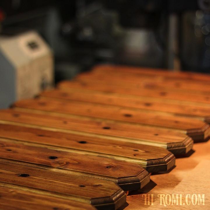 照明用木製台座の塗装が完了|Hi-Romi.comハンドメイド照明